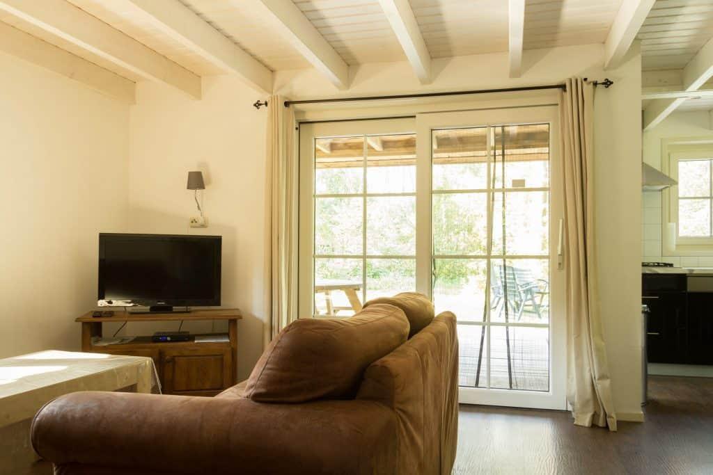 kamer met uitzicht op veranda