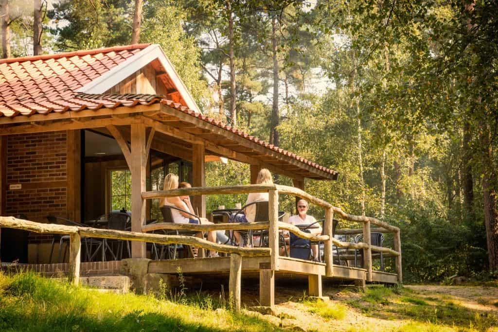 veranda lutte hutte