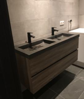 wasbak in de badkamer